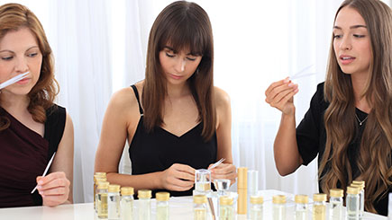 Design Your Own Perfume Gold Experience